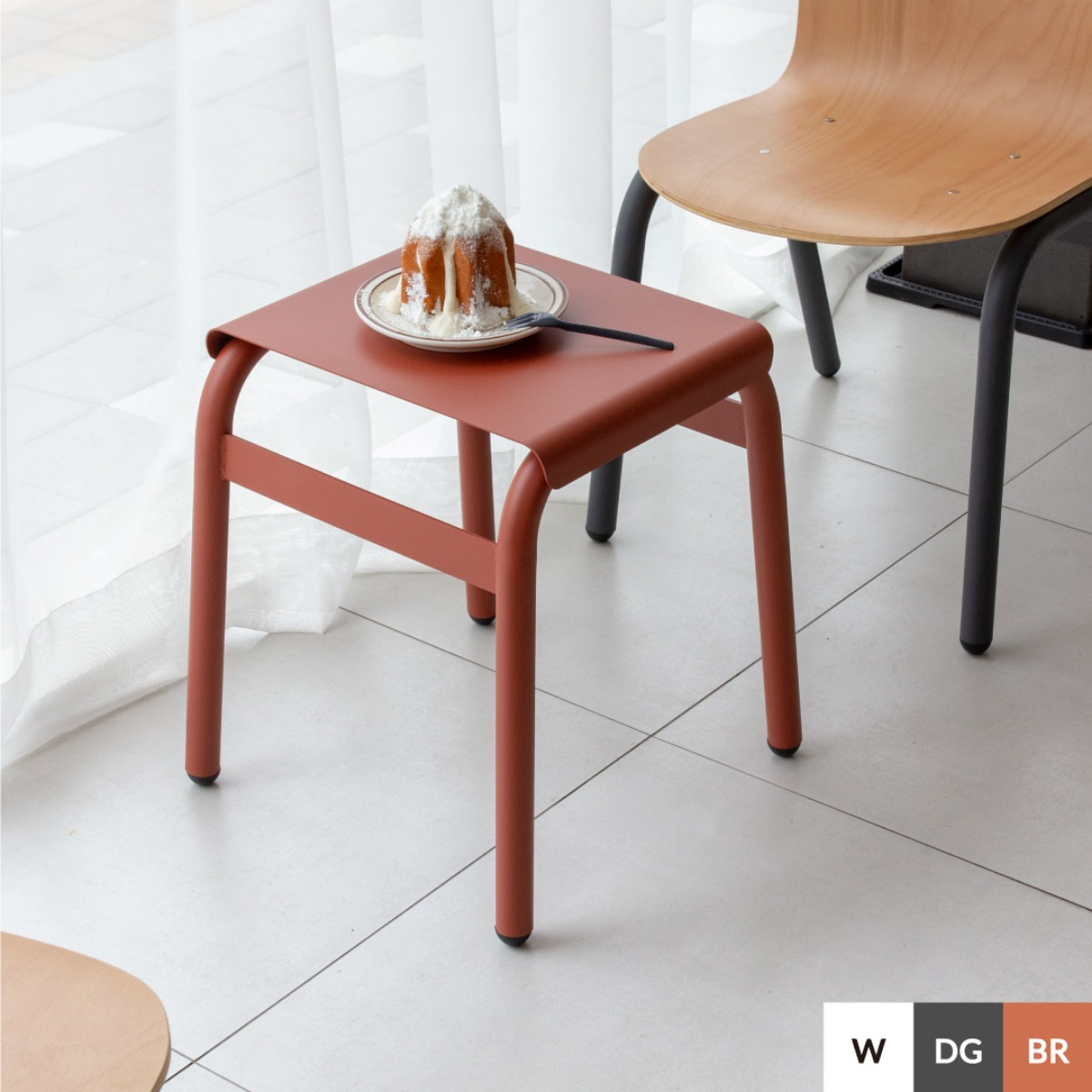 BOLD STOOL | BRICK RED